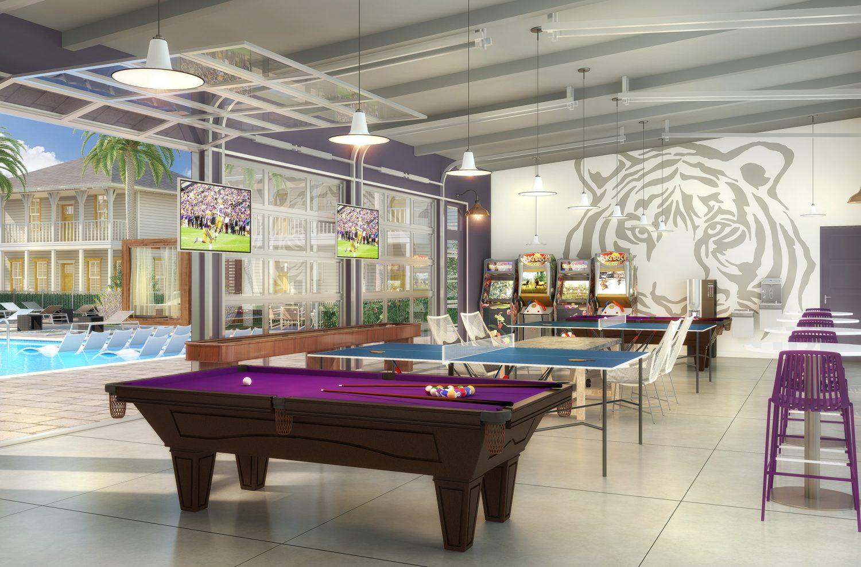 Poolhouse Room